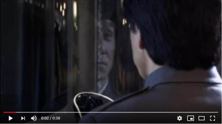 タキシード (2002年)のシーン1